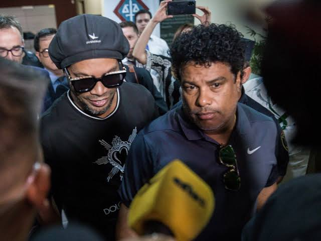 Paraguay frees Ronaldinho after 32 days in jail