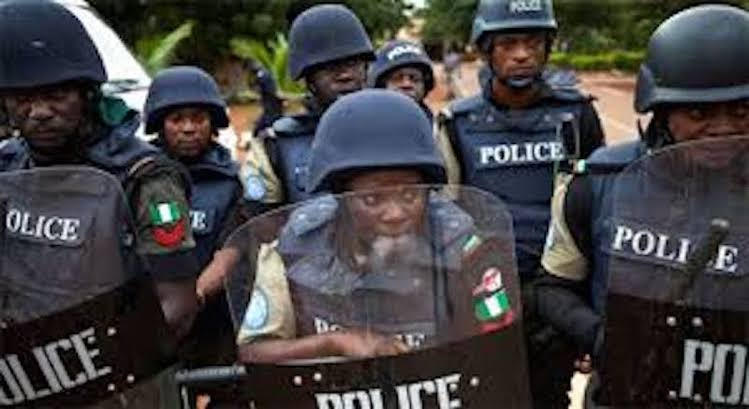 Armed robbery attacks: Residents defy lockdown order, troop out to jubilate RRS, Task Force arrival