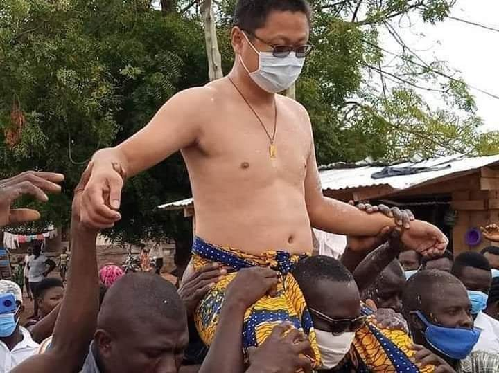 Chinese man gets Ghanaian local Chieftaincy title