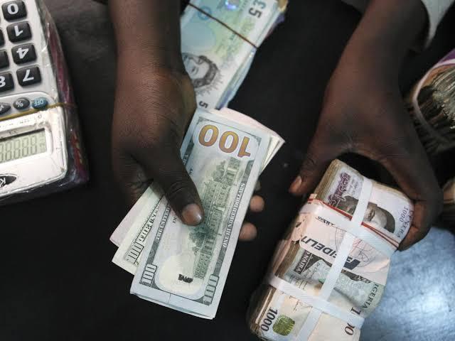Naira depreciates to 470 against the dollar