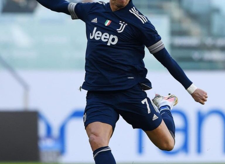 Ronaldo pushing for move to Premier League Manchester City