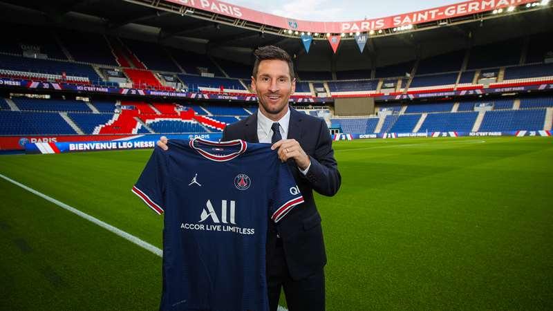 PSG signs Lionel Messi