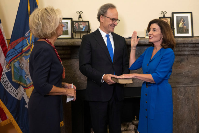 New York's first female governor, Kathy Hochul sworn in