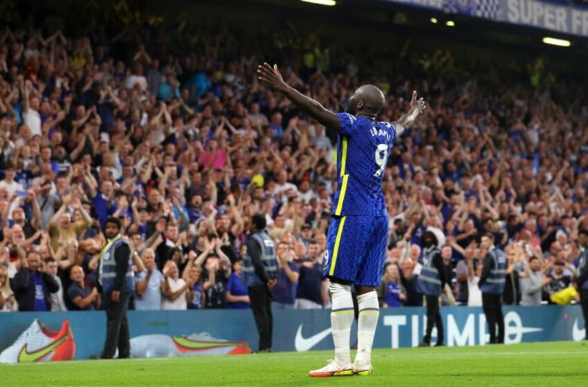 Lukaku stars as Chelsea go level at the top
