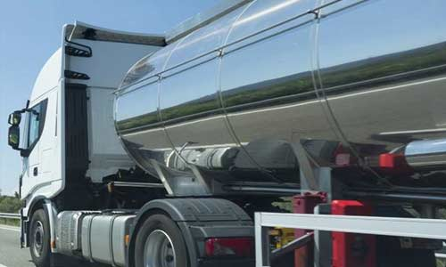Brexit: fuel scarcity hits UK as shortage of tanker drivers persists