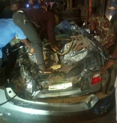 LASEMA rescues 4 people from Ojuelegba trailer accident scene
