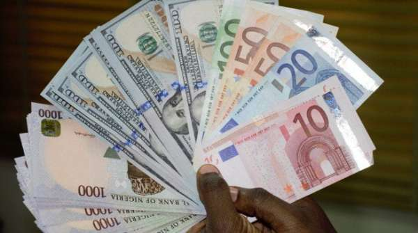 Naira falls to 530 against dollar, pound hits N720