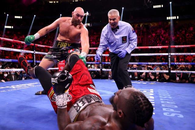 Tyson Fury deafeats Dontey Wilder to retain WBC crown